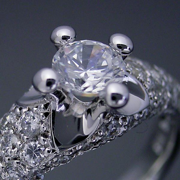 柔らかい印象の可愛い婚約指輪