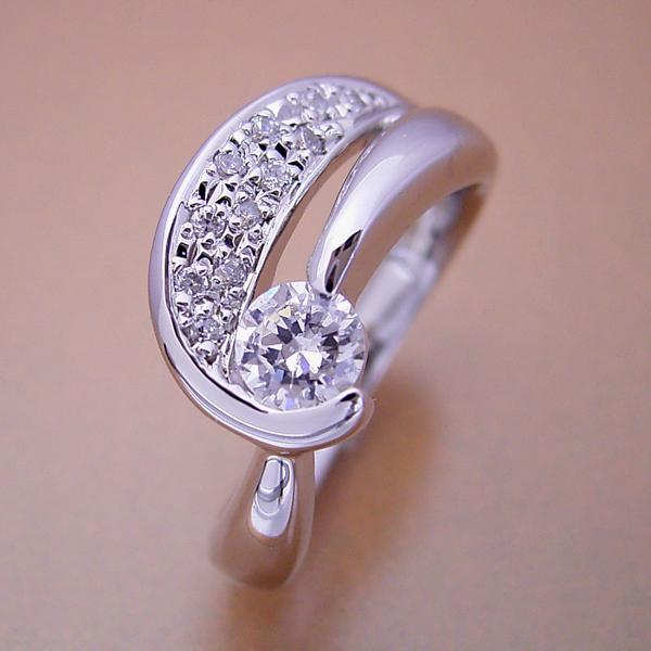 蝶々をモチーフとした婚約指輪