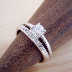 画像2: 1本の指輪なのに重ね着けしているような婚約指輪 (2)