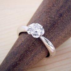画像3: リーフデザイン伏せこみタイプの婚約指輪 (3)