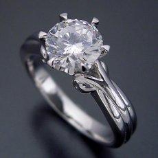 画像1: 1カラット版:アームの処理が新しい婚約指輪 (1)