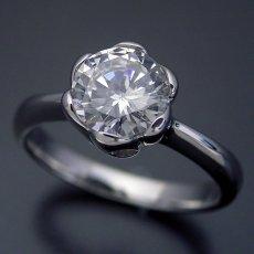 画像1: 1カラット版:フラワーデザイン伏せこみタイプの婚約指輪 (1)