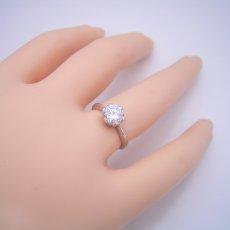 画像5: 1カラット版:フラワーデザイン伏せこみタイプの婚約指輪 (5)