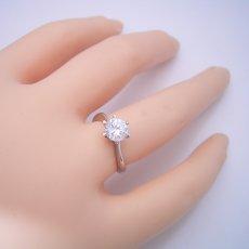 画像6: 1カラット版:アームデザインが新しいティファニーセッティングの婚約指輪 (6)