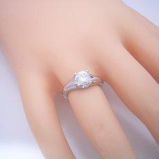 画像5: 1カラット版:隠れた4本爪デザインの婚約指輪 (5)