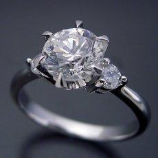 画像3: 1カラット版:6本爪サイドメレスリーストーンタイプの婚約指輪 (3)