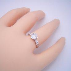 画像5: 1カラット版:6本爪サイド2Pメレデザインの婚約指輪 (5)