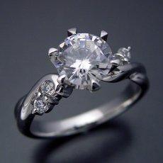 画像3: 1カラット版:天使の羽デザイン6本爪の婚約指輪 (3)