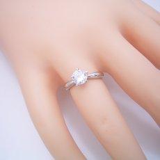 画像5: 1カラット版: 珍しい5本爪の婚約指輪 (5)