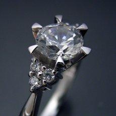 画像3: 1カラット版:6本爪ゴージャスデザインの婚約指輪 (3)