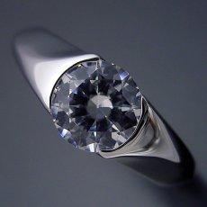 画像4: 1カラット版:絶妙なラインを描く婚約指輪 (4)