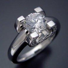 画像4: ブランドジュエリーに似たような婚約指輪 (4)