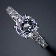 画像4: ブランドジュエリーのエンゲージリングのような婚約指輪 (4)