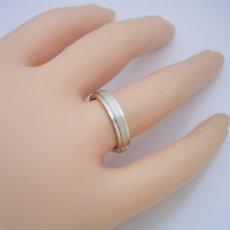 画像5: 「硬質」と「シャープ」をイメージした地金タイプの結婚指輪 (5)