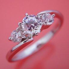 画像2: 6本爪サイドメレデザインの婚約指輪 (2)