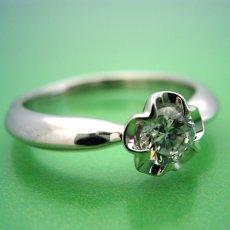 画像4: リーフデザイン伏せこみタイプの婚約指輪 (4)