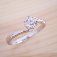 画像3: 流れるデザインの6本爪タイプの婚約指輪 (3)
