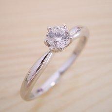 画像1: 珍しい5本爪の婚約指輪 (1)