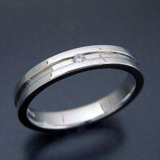 画像4: シンプルなラインのダイヤモンド入り結婚指輪 (4)