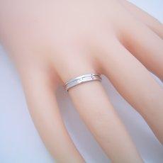 画像5: シンプルなラインのダイヤモンド入り結婚指輪 (5)