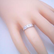 画像5: プリンセスカットダイヤモンドをスタイリッシュに使った婚約指輪 (5)