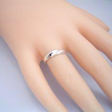 画像2: 地金にひねりを加えた塊感のある結婚指輪 (2)
