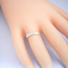 画像2: 地金を綺麗に交差させてシンプルに見せた結婚指輪 (2)