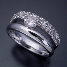 画像2: パヴェセッティングと甲丸リングを組み合わせた婚約指輪 (2)