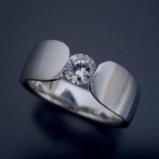 画像3: 指当たりが最高の婚約指輪「Kiwami type F」 (3)