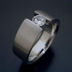 画像2: ワイドなアームの婚約指輪「極 type Book」 (2)