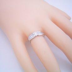 画像5: 堂々とした風格が漂う婚約指輪 (5)