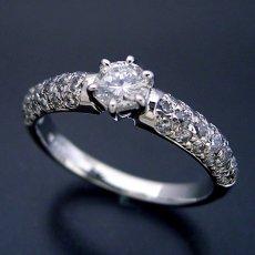 画像2: ハーフパヴェセッティングの婚約指輪 (2)