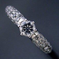 画像3: ハーフパヴェセッティングの婚約指輪 (3)