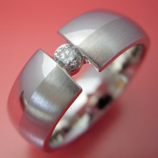画像4: ダイヤよりも着け心地を重視した婚約指輪 (4)