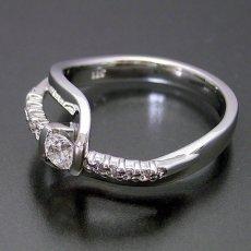 画像3: 色々な角度から眺めたくなる婚約指輪 (3)