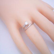 画像6: スッキリとしてシンプルな婚約指輪 (6)