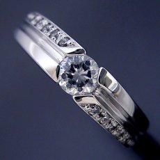 画像3: シンプルなデザインに控えめなダイヤモンドが上品な婚約指輪 (3)