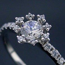 画像3: 魔法のように素敵な婚約指輪 (3)