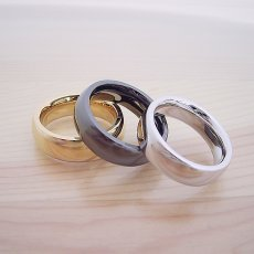 画像5: 最高に気持ちが良い着け心地の結婚指輪「一つの指輪〜ジェットブラックモデル〜」 (5)