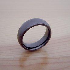 画像2: 最高に気持ちが良い着け心地の結婚指輪「一つの指輪〜ジェットブラックモデル〜」 (2)