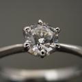 6本爪ティファニーセッティングタイプの婚約指輪[BE-36]