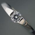 もの凄くスタイリッシュなデザインの婚約指輪 [BE-73]