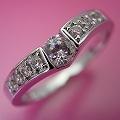 本当はピンクダイヤモンドを入れて欲しい婚約指輪[R3937]