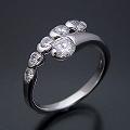 美しく豪華な婚約指輪[R4064改]