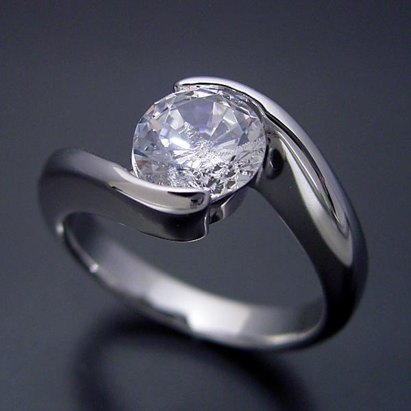 画像1: 1カラット版:抱き合わせ伏せこみタイプの婚約指輪 (1)