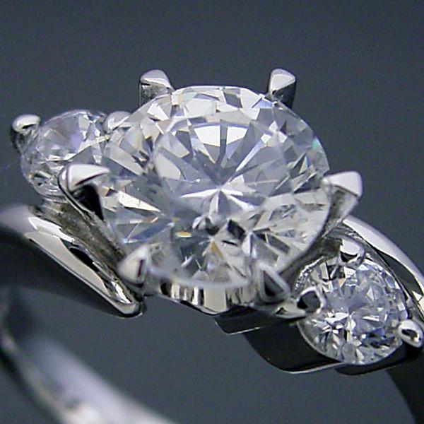 画像1: 1カラット版:6本爪サイドメレデザインの婚約指輪 (1)