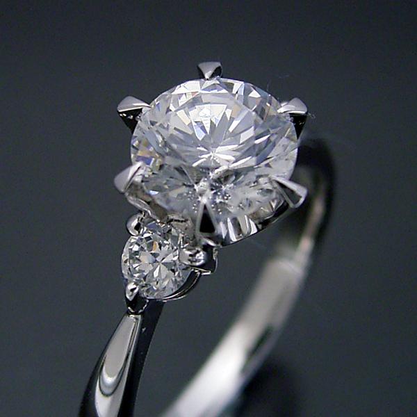 画像1: 1カラット版:6本爪サイドメレスリーストーンタイプの婚約指輪 (1)