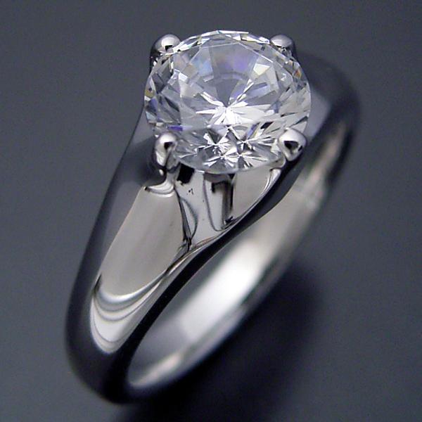 画像1: 1カラット版:雫の王冠をイメージした婚約指輪 (1)