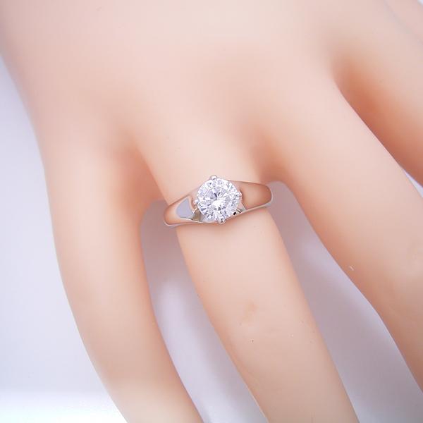 1カラット版:雫の王冠をイメージした婚約指輪