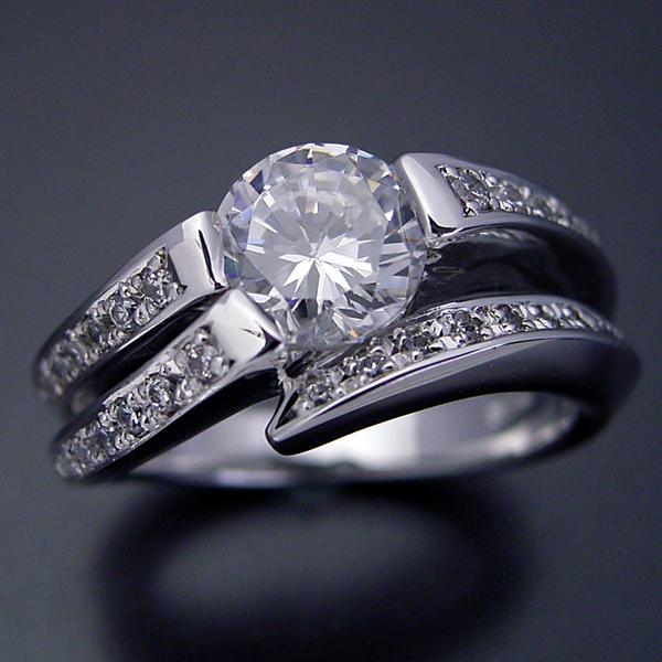 1カラットらしいデザインを考えた婚約指輪